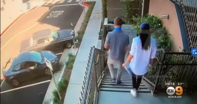 哈利夫妇(Harry and Meghan)在洛杉矶当志愿者为病人送餐